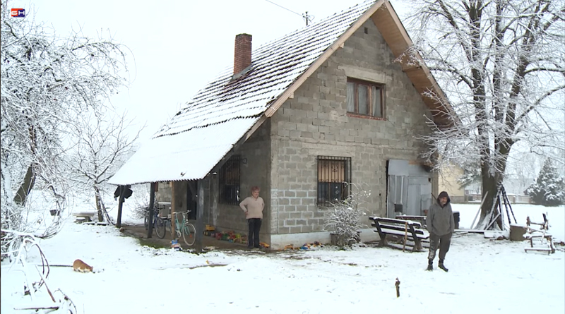Donji Žabar: Neuslovan život u tuđoj kući bez vode